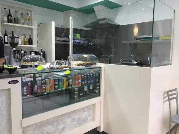 vendiamo BAR CAFFETTERIA TAVOLA FREDDA Milano