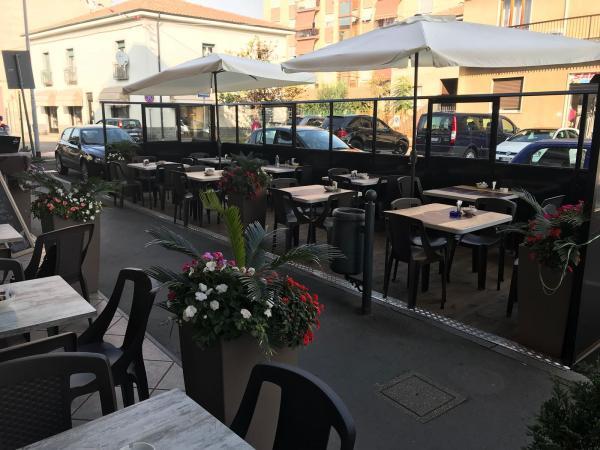 vendiamo BAR PASTICCERIA provincia Milano