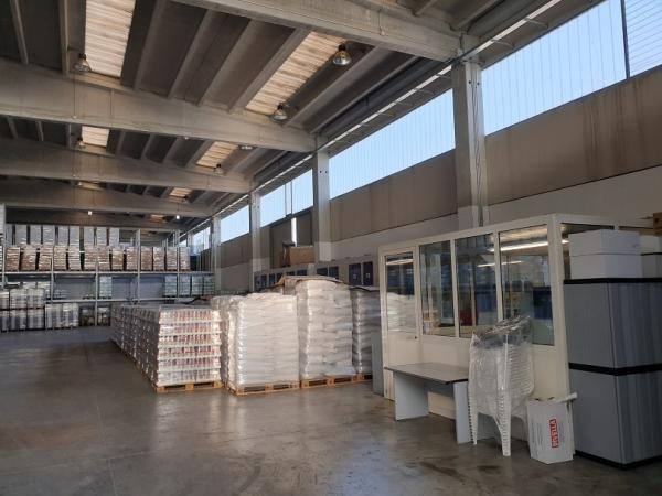vendiamo AZIENDA di AUTOTRASPORTI e LOGISTICA provincia Bari